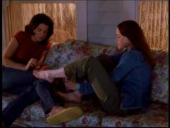 1X02-The-Lorelais-first-day-at-Chilton-gilmore-girls-2941325-500-375.jpg